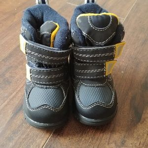 NWOT Childrens Place Snow Boots